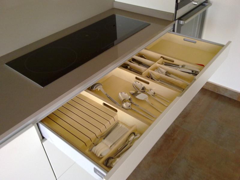 Cubertero de madera en cocina santos muebles gasc n el blog - Cocinas santos precios ...